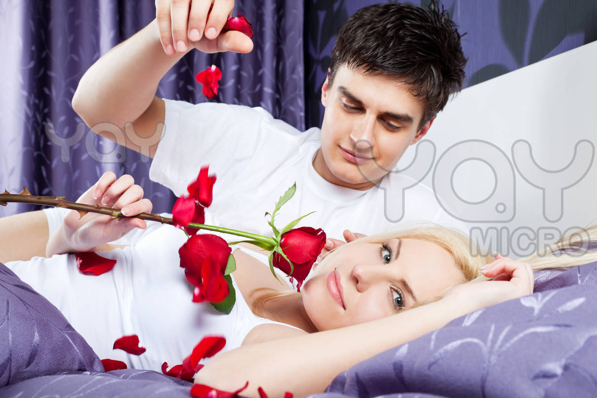 how to say hello to a woman romanticly