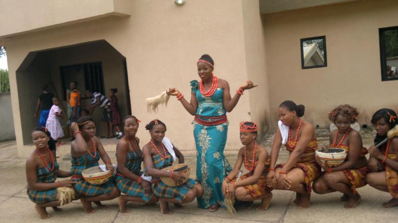 The Bride Poses with the Asoebi Girls